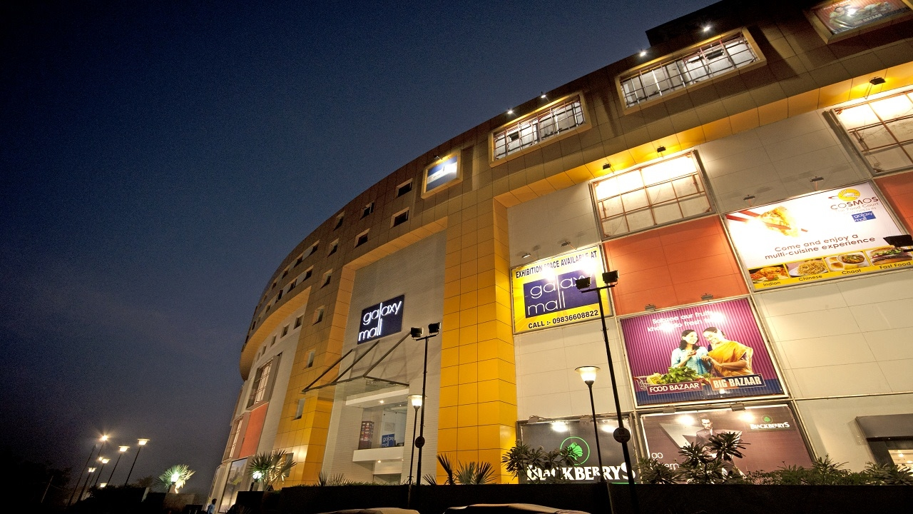 Night View of Galaxy Mall in Burnpur