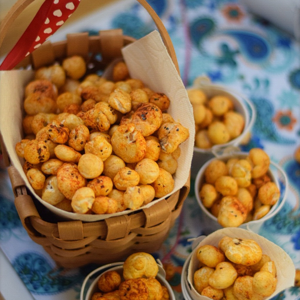 Spiced and roasted fox nuts - the healthiest tea-time snack